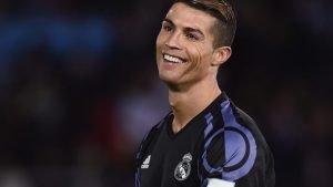 Melewati Messi, Ronaldo Genap Cetak Gol ke-100 di Eropa