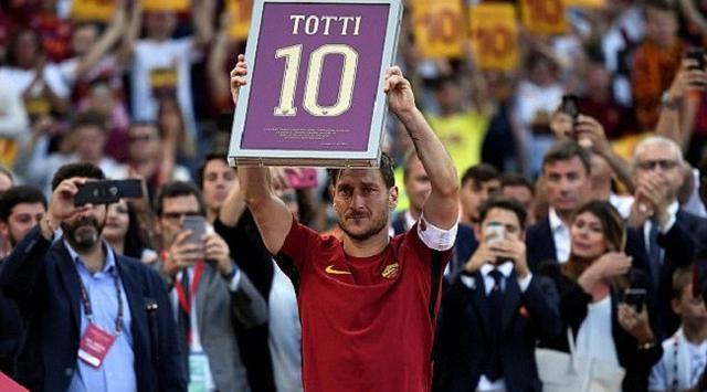 Akhir Kebersamaan Raja Roma di Klub Serigala Ibukota